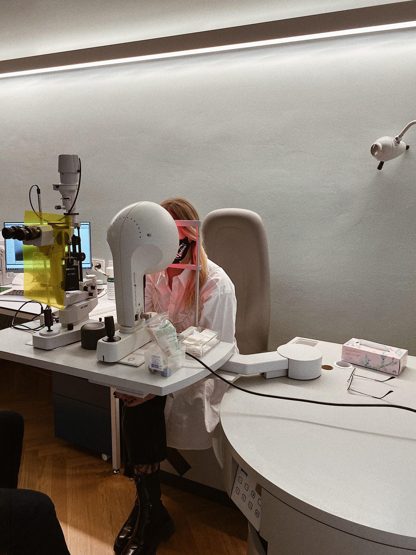 Voruntersuchung Augen Lasern bei Dr. Riha